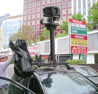 une voiture google parcourt paris afin de cartographier la ville locallab foire aux infos. Black Bedroom Furniture Sets. Home Design Ideas