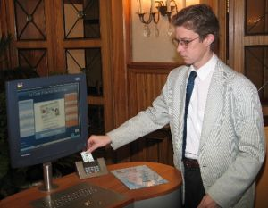 La carte d'identité électronique, clé du commerce en ligne ?