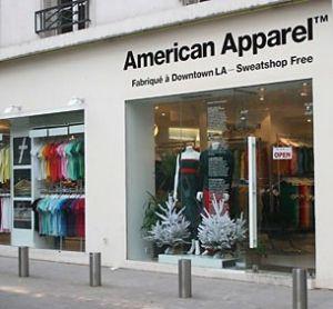 Des vêtements étiquetés en RFID chez le détaillant American Apparel