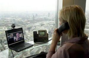 La voix sur IP serait bloquée aux Emirats, selon  des Anonymous
