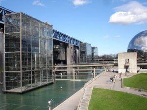 Géo-localisation indoor et sociale à la Cité des sciences