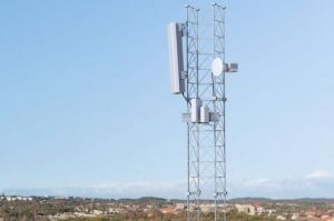 Les forfaits 5G d'Orange et SFR contestés en justice par la CLCV