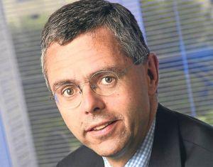 Frank Esser remplacé par Michel Combes à la tête de SFR